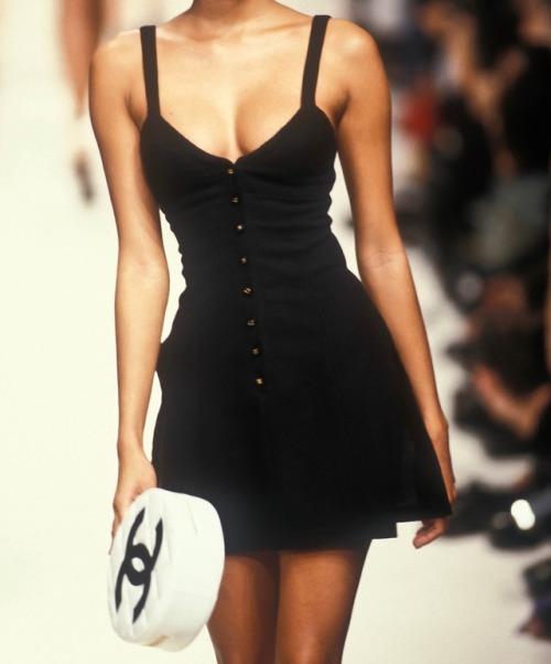 womens-fashion-inspiration-black-all-black