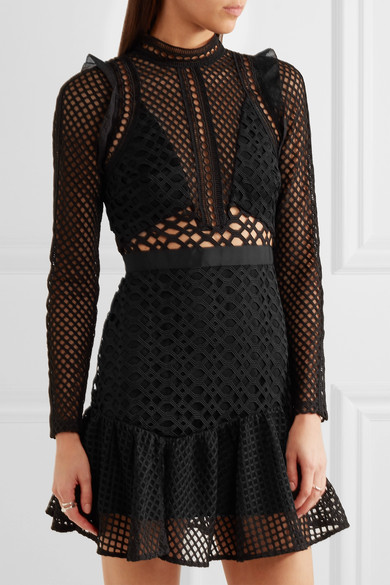 womens-fashion-photography-black-mesh-all-black