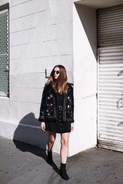 womens-fashion-outfit-embroidery-all-black