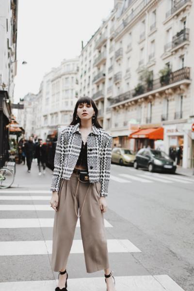 womens-fashion-photography-beige-camel