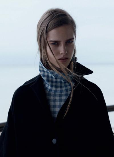 womens-fashion-ootd-blue-big-jewelry-plaid