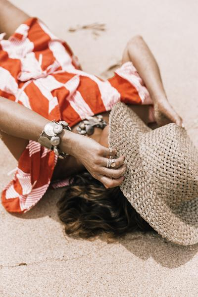 womens-fashion-ideas-fedora-hats-big-jewelry-stripes