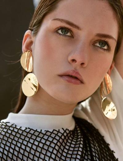 womens-fashion-ootd-big-jewelry