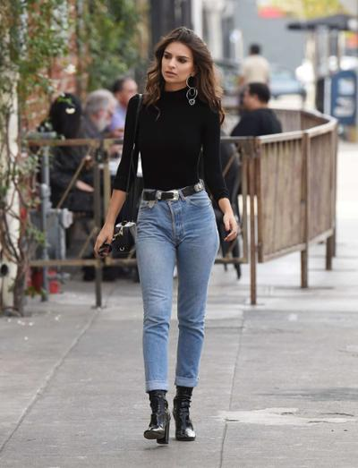 womens-fashion-ideas-black-boyfriend-jeans-turtlenecks-wide-belts
