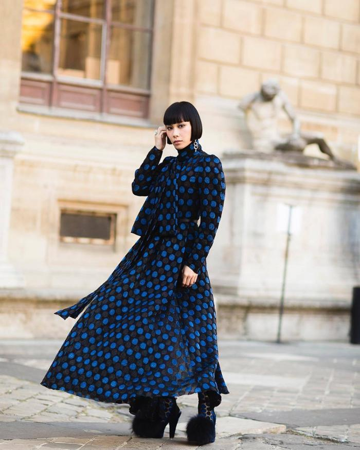 womens-fashion-outfit-polka-dots-capes-and-ponchos-bright-colors-gothic