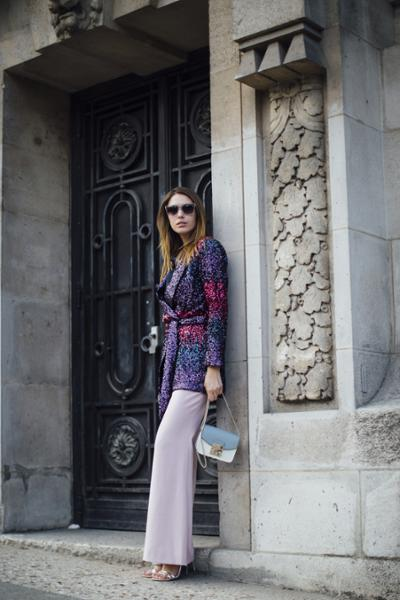 womens-fashion-outfit-pink-purple-chain-bags-chic-sunglasses