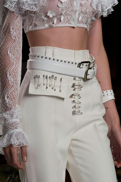 womens-fashion-look-white-crop-tops