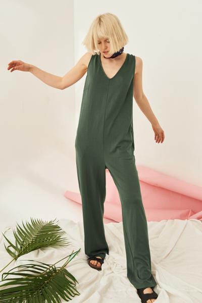 womens-fashion-photography-green-khaki