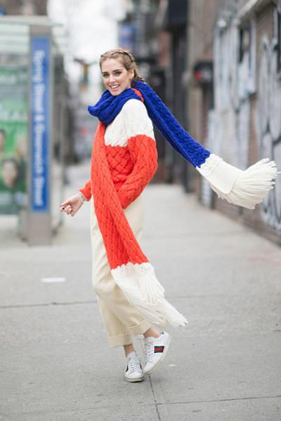 womens-fashion-look-huge-scarves