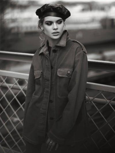 womens-fashion-photography-black-light-coats