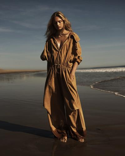 womens-fashion-outfit-khaki-one-color