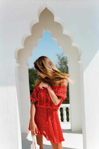 womens-fashion-photography-red-prints