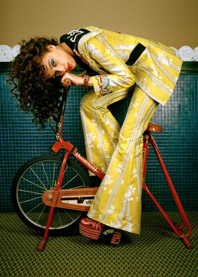 womens-fashion-photography-yellow-prints-multicolor-seventies