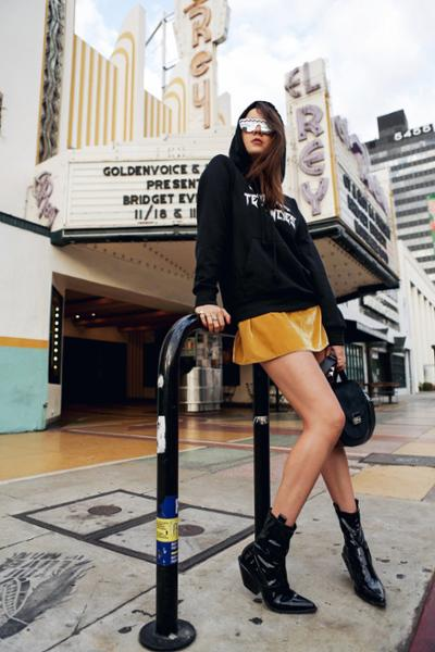 womens-fashion-ootd-yellow-sportswear-black-and-white