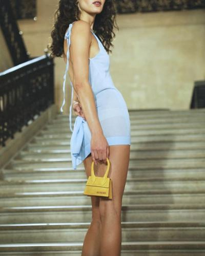 womens-fashion-inspiration-yellow-blue-transparent