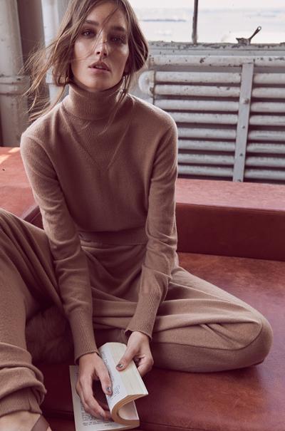 womens-fashion-photography-camel-turtlenecks