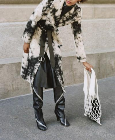 womens-fashion-look-winter-coats-fur-black-and-white-wide-belts