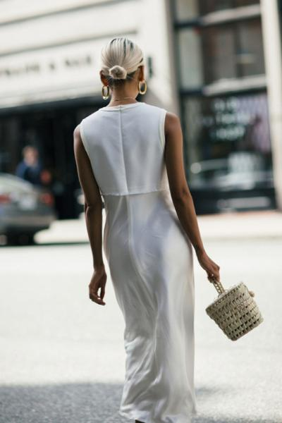 womens-fashion-photography-one-color-big-jewelry-all-white