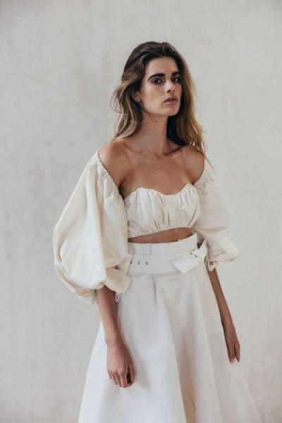 womens-fashion-inspiration-crop-tops-all-white-bright-colors-wide-belts