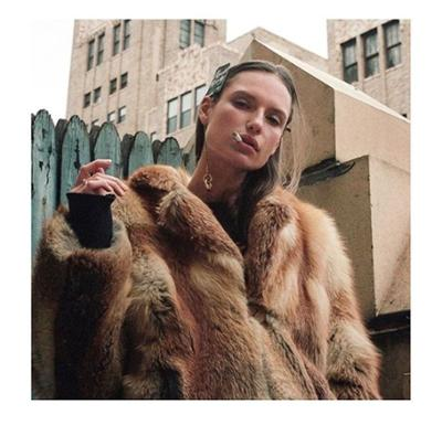 womens-fashion-photography-animal-fur-big-jewelry-camel