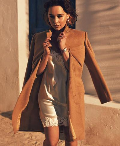 womens-fashion-outfit-winter-coats-big-jewelry-camel-bright-colors
