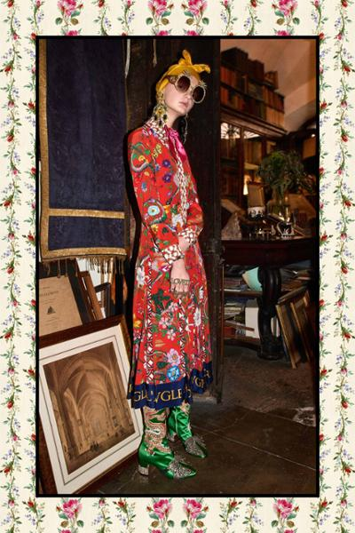 womens-style-inspiration-clashing-prints-multicolor-big-jewelry-chic-sunglasses