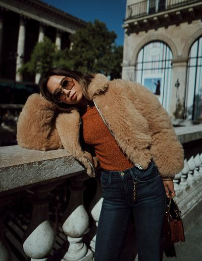 womens-fashion-photography-brown-fur