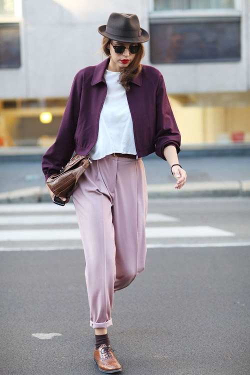 womens-fashion-photography-pink-burgundy