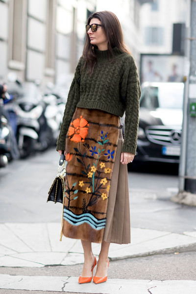 womens-fashion-photography-embroidery-multicolor-chic-sunglasses-long-skirts