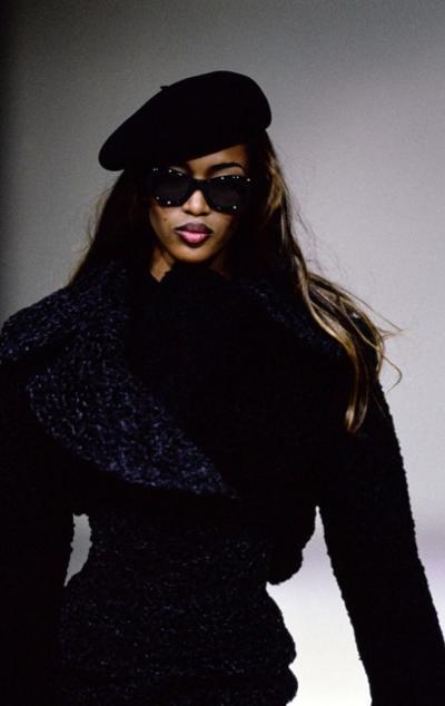 womens-fashion-inspiration-winter-coats-blue-chic-sunglasses