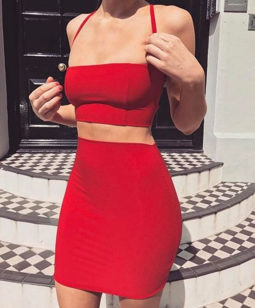 womens-fashion-outfit-red-crop-tops-one-color