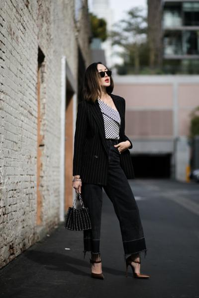 womens-fashion-outfit-black-and-white-stripes-flared-pants