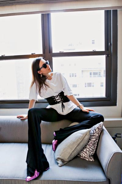 womens-fashion-ideas-black-and-white-flared-pants