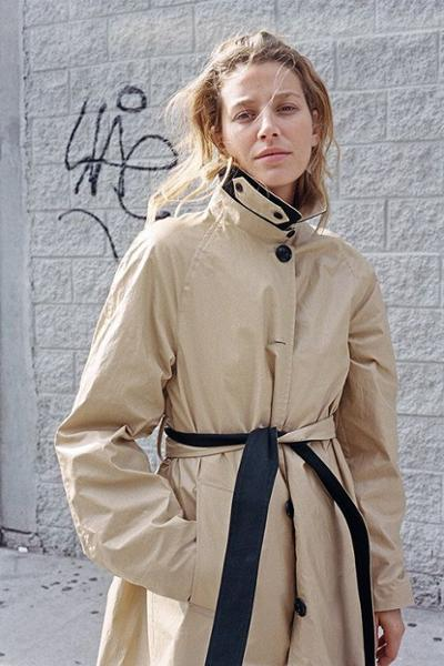 womens-fashion-outfit-black-light-coats-beige-turtlenecks
