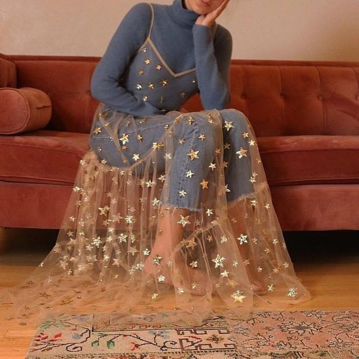 womens-fashion-ideas-blue-embroidery-turtlenecks-long-skirts
