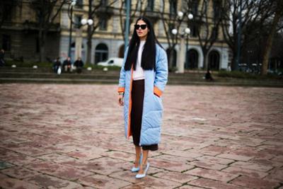 womens-fashion-inspiration-winter-coats-blue-mesh-long-skirts