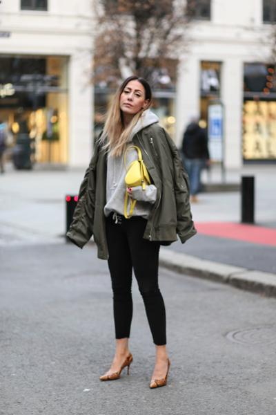 womens-fashion-inspiration-yellow-military
