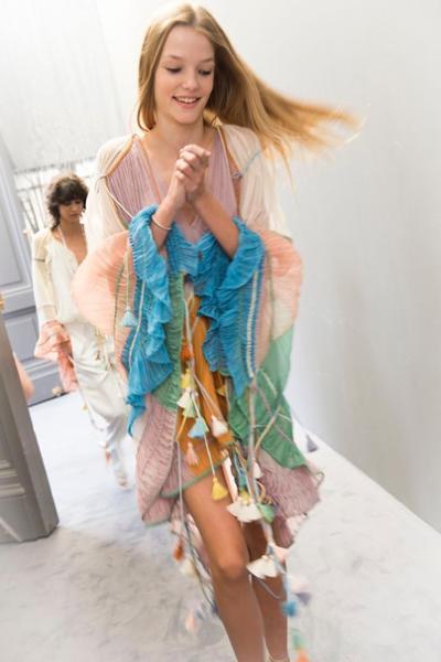 womens-fashion-inspiration-multicolor-ruffles