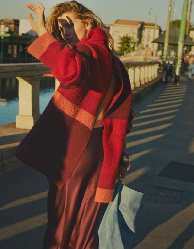 womens-fashion-photography-multicolor-wool