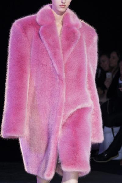 womens-fashion-look-pink-fur