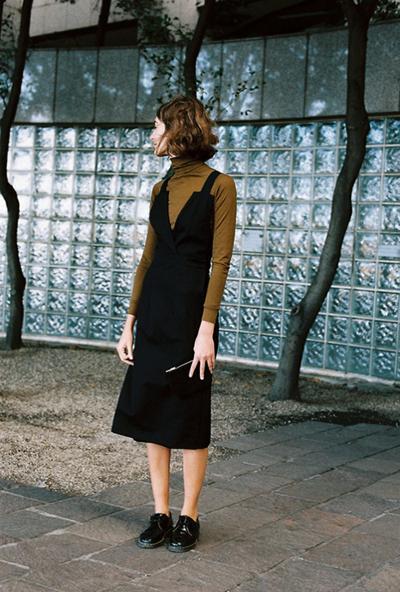womens-fashion-photography-black-turtlenecks