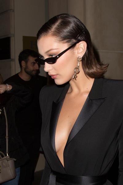 womens-fashion-photography-masculine-big-jewelry-all-black-chic-sunglasses