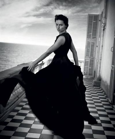 womens-fashion-inspiration-ruffles-all-black