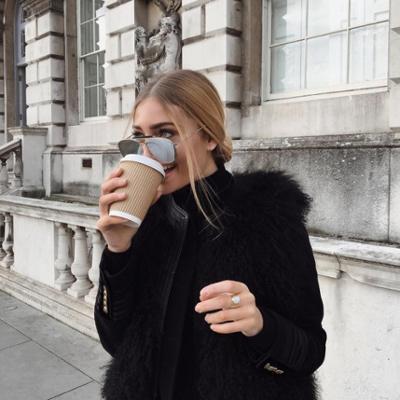 womens-fashion-photography-fur-turtlenecks-all-black