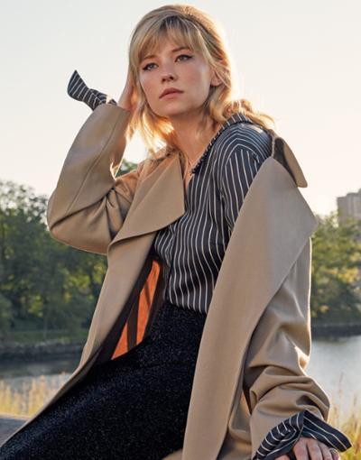 womens-fashion-photography-beige-stripes