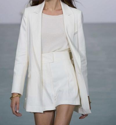 womens-style-inspiration-white-beige