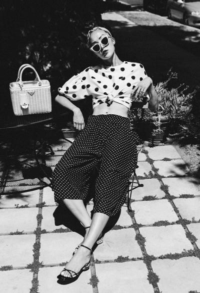 womens-fashion-photography-polka-dots-black-and-white