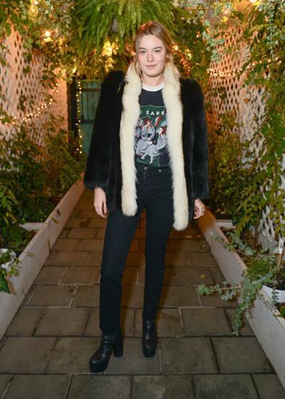 womens-fashion-look-black-denim-fur