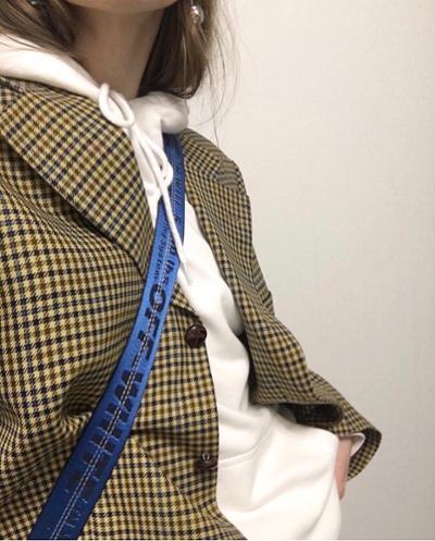 womens-fashion-look-blue-white-plaid