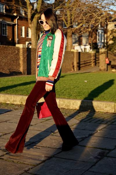 womens-fashion-ideas-bright-colors-flared-pants